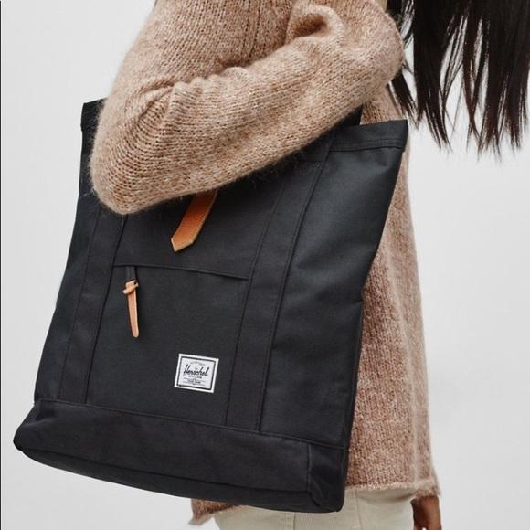 7fa7302b87 Herschel Supply Company Handbags - Herschel Market Tote